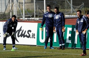 Emiliano+Viviano+Italy+Training+Session+zzU2sPdMF59l