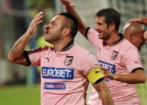 Ci Palermo 24/11/2012 - campionato di calcio serie A / Palermo-Catania / foto Carmelo Imbesi/Image Sport nella foto: esultanza gol Fabrizio Miccoli