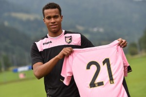Robin+Quaison+Citta+di+Palermo+Training+Session+zXrntKydT6cl