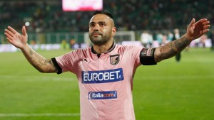 PALERMO, ITALY - MAY 19:  Fabrizio Miccoli of Palermo salutes his fans after the Serie A match between US Citta di Palermo and Parma FC at Stadio Renzo Barbera on May 19, 2013 in Palermo, Italy.  (Photo by Maurizio Lagana/Getty Images)
